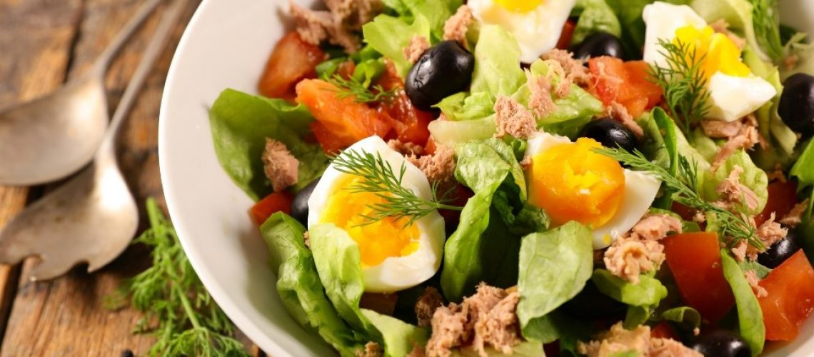 receta-de-ensalada-de-huevos-mollet